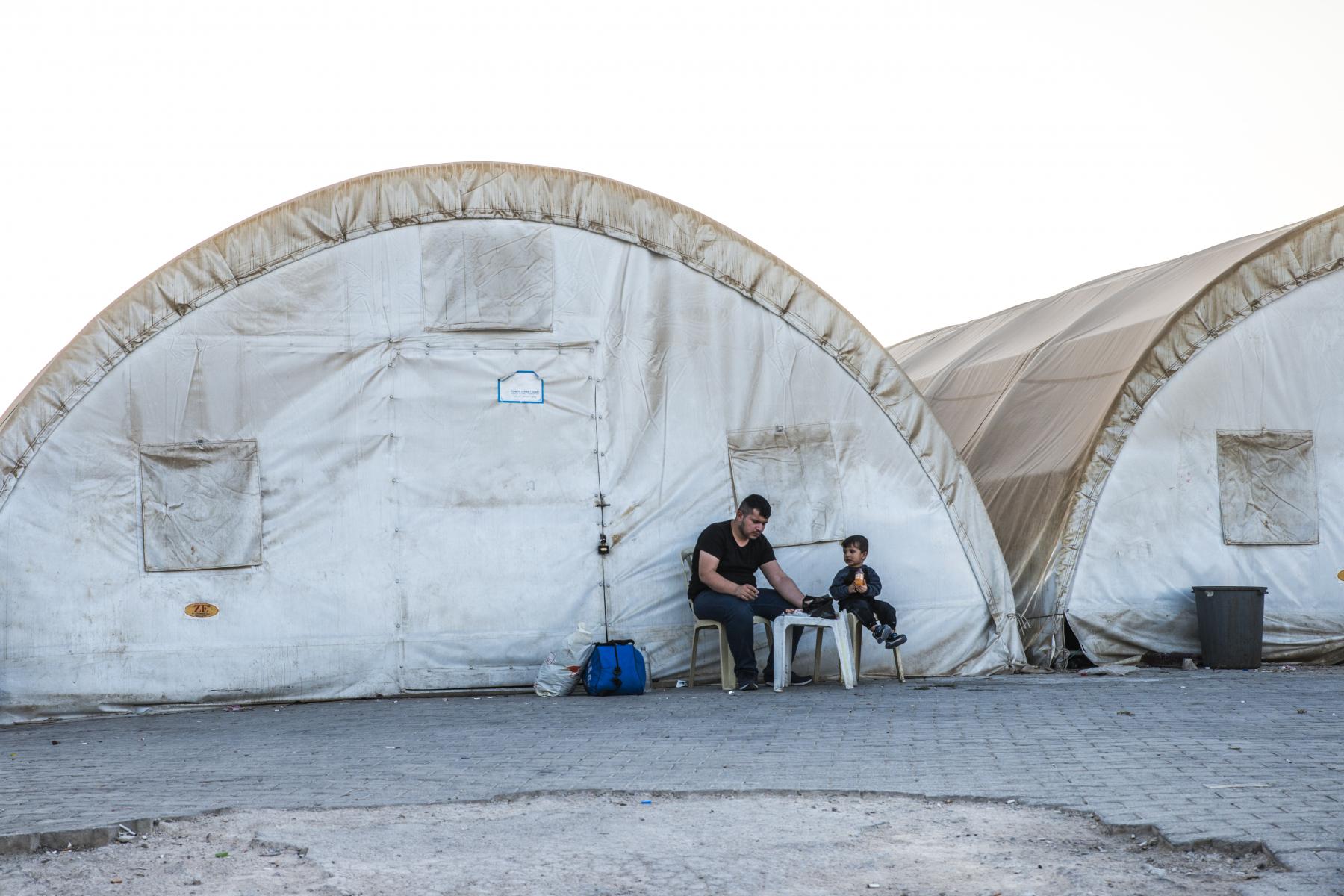 22821944-refugee-camp-for-syrian-people-in-turkey-september-7.jpg
