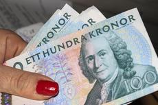 4995163-kvinna-med-pengar.jpg